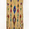 marokkansk-berber-boujad-taeppe-haendlavet-i-uld-i farverne-blaa-roed-groen-og-beige-med-geometrisk-moenster