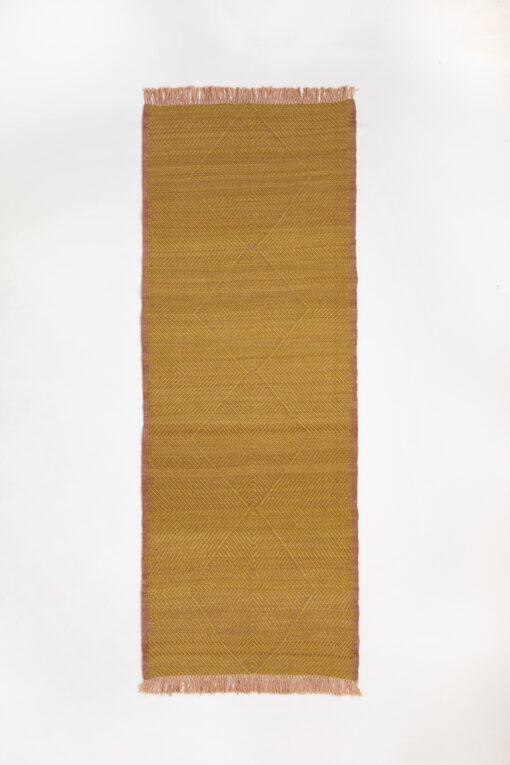 marokkansk-berber-taepper-haendlavet-i-bedste-uld-kvalitet-i-plantefarver-gul-og-lyseroed